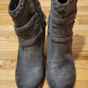 Womens Olive Green Not Rated Booties